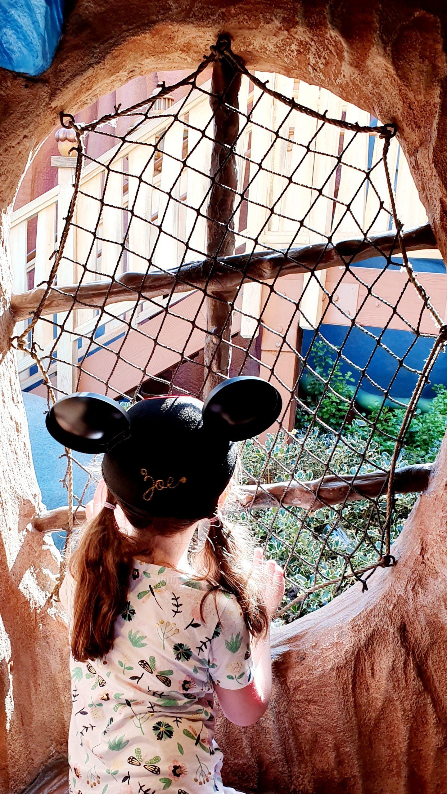 Disneyland Mickey's Toontown Chip n' Dale Treehouse