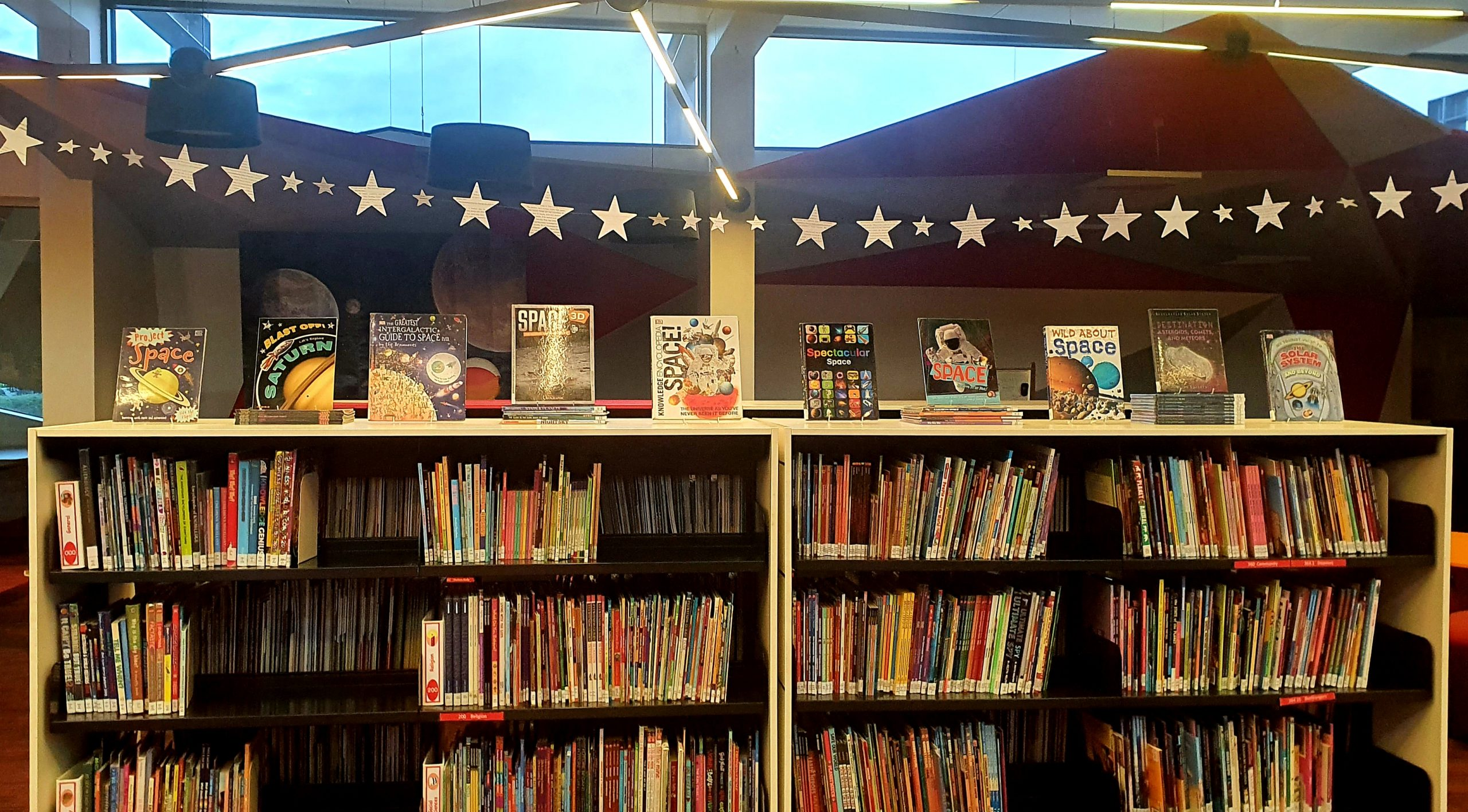 Make a Star Garland From Old Books